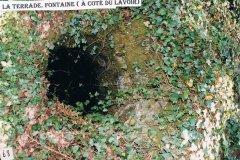 Fontaine (à côté du lavoir), La Terrade